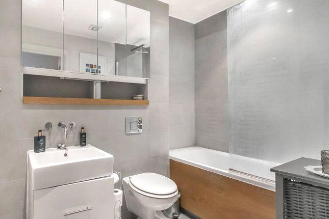 Picture No. 18 of Eastone Apartments, 10 Lolesworth Close, London E1