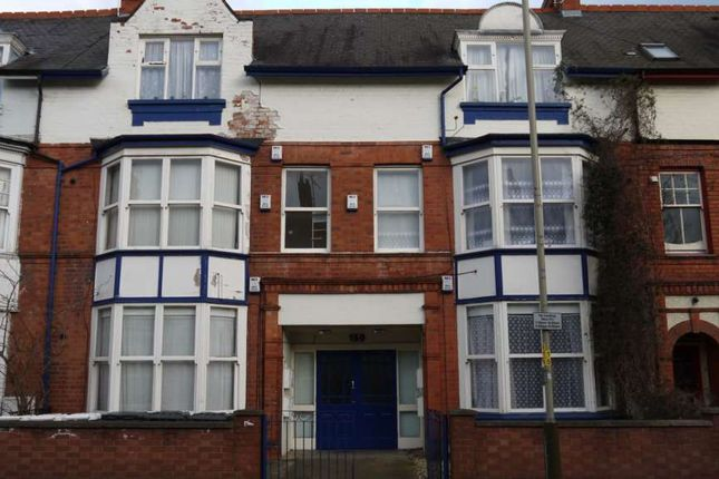 Thumbnail Flat for sale in Fosse Road South, Leicester