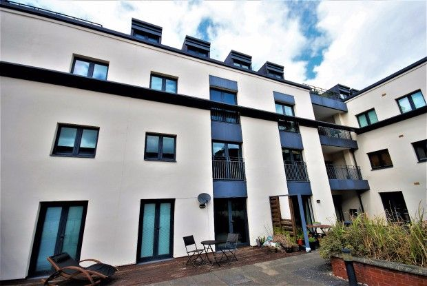 Thumbnail Flat to rent in Regent House 89 The Parade, Leamington Spa