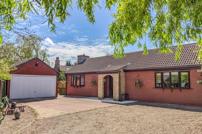 4 bed bungalow for sale in Kilnwell Road, Market Rasen, Lincolnshire LN8
