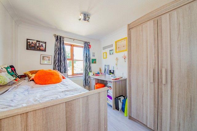 Picture 7 of Heathlands Court, Finchampstead, Wokingham RG40