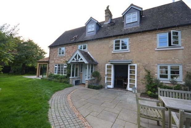 Thumbnail Property to rent in Meadow Road, Great Gransden, Sandy