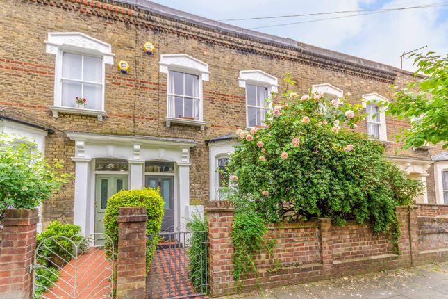 Thumbnail Property to rent in Chatterton Road, Arsenal