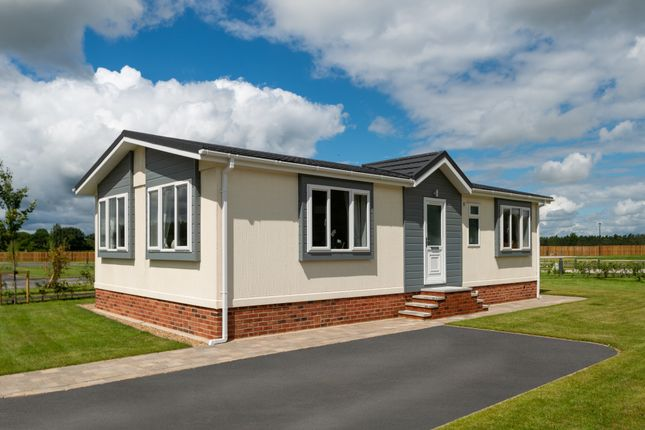 Thumbnail Detached bungalow for sale in Bank End, Clayton West, Huddersfield