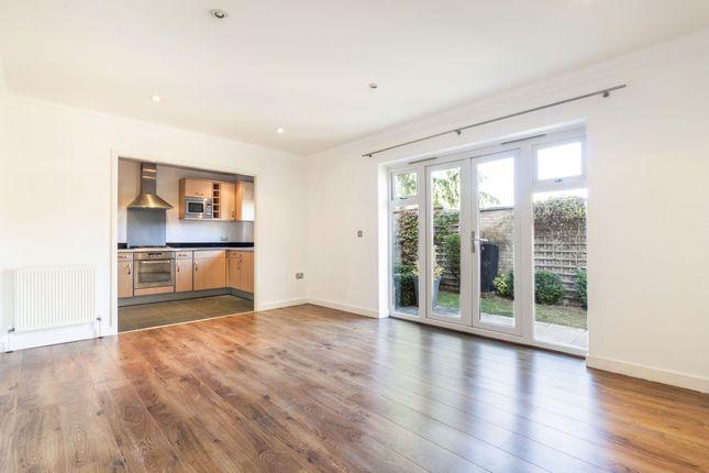 Thumbnail Flat to rent in Godwin Close, Wokingham