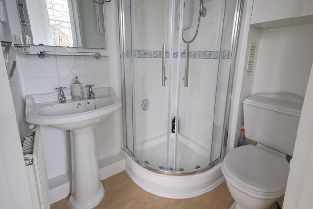 En Suite of Buckland Walk, Devington Park, Exeter EX6