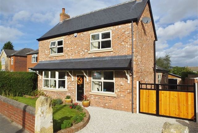 Thumbnail Detached house for sale in Thorpe Road, Harthill, Sheffield