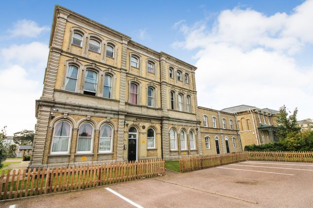 Thumbnail Flat to rent in Queen Elizabeth Court, Kings Road, Great Yarmouth