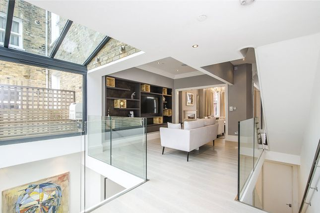 Thumbnail Terraced house for sale in Oxberry Avenue, London