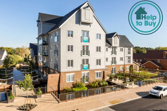 Thumbnail Flat for sale in The Boulevard, Horsham
