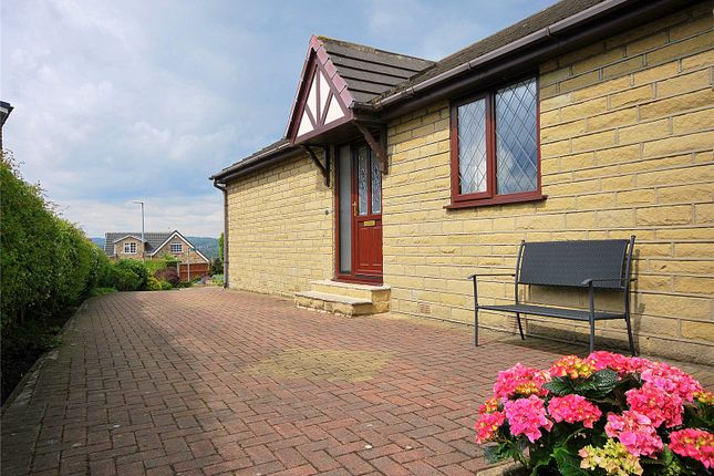 Picture No. 14 of Lady Heton Close, Mirfield, West Yorkshire WF14