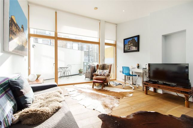 Thumbnail Terraced house for sale in Mears Close, London