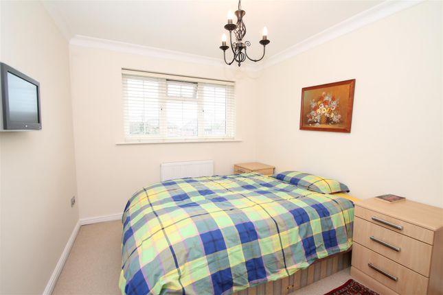 Img_7535 of Crothall Close, Palmers Green, London N13