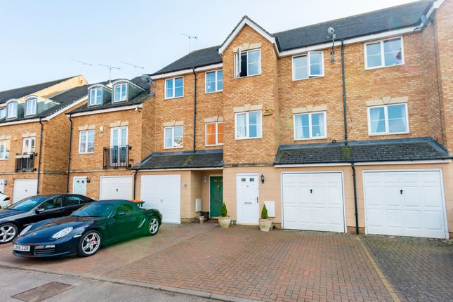 3 bed terraced house for sale in Lindler Court, Leighton Buzzard LU7