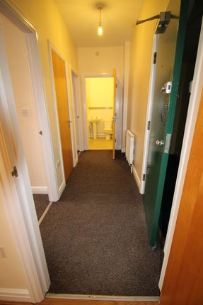 Thumbnail Flat to rent in Oakhouse Park, Walton, Liverpool, Merseyside