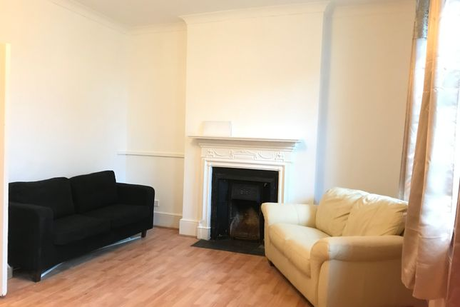 Thumbnail Flat to rent in Tottenham Lane, Crouch End