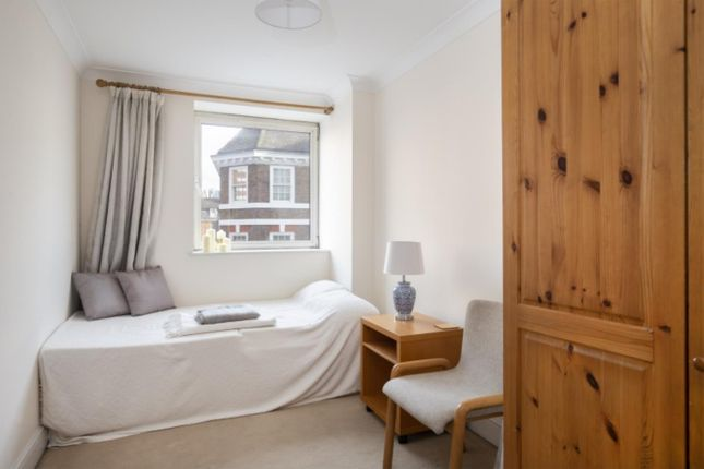 Bedroom of Waterspring Court, 108 Regency Street, Westminster, London SW1P