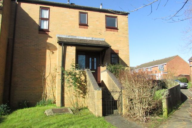 Thumbnail Semi-detached house to rent in Devon Way, Banbury, Oxfordshire