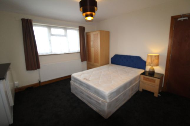 Thumbnail Room to rent in Lilac Place, West Drayton