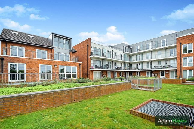 Thumbnail Flat for sale in Lankaster Gardens, East Finchley