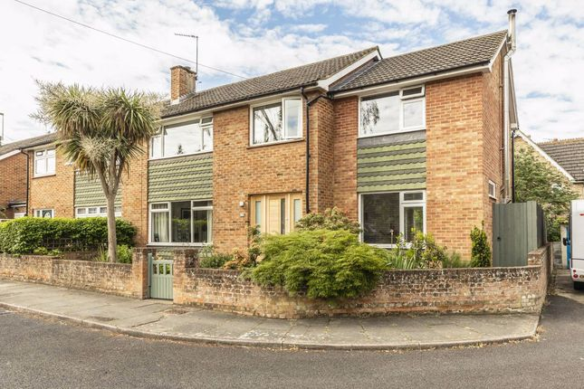 Thumbnail Property to rent in Latchmere Close, Richmond