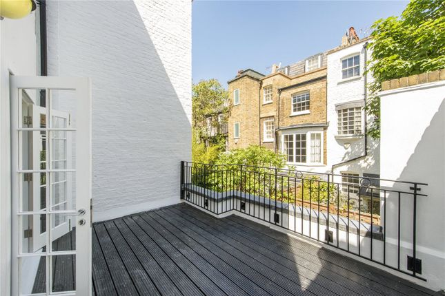 Terraced house to rent in Hasker Street, London
