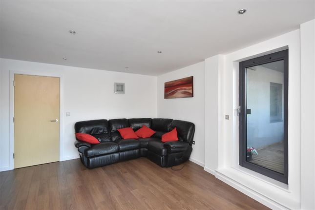 Living Area of Kings Road, Swansea SA1