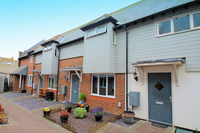 2 bed terraced house to rent in Montague Street, Worthing BN11