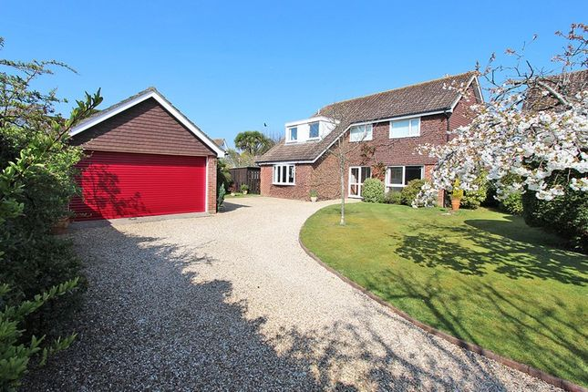 Thumbnail Detached house for sale in Moorlands Close, Brockenhurst