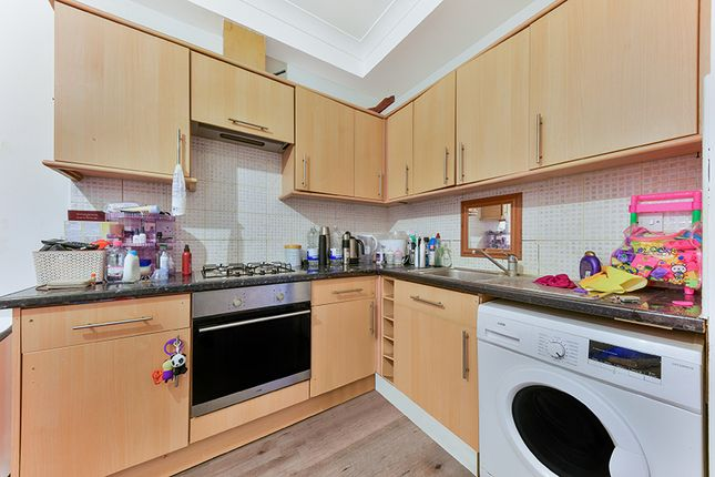 Thumbnail Flat to rent in Battersea Park Road, Battersea