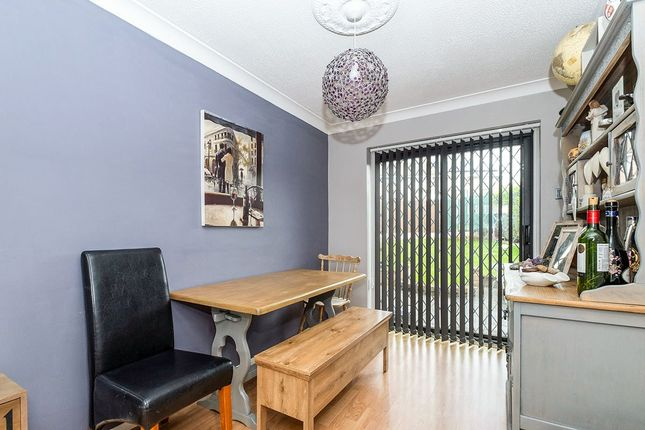 Dining Area of Hunters Gardens, Dinnington, Sheffield, South Yorkshire S25