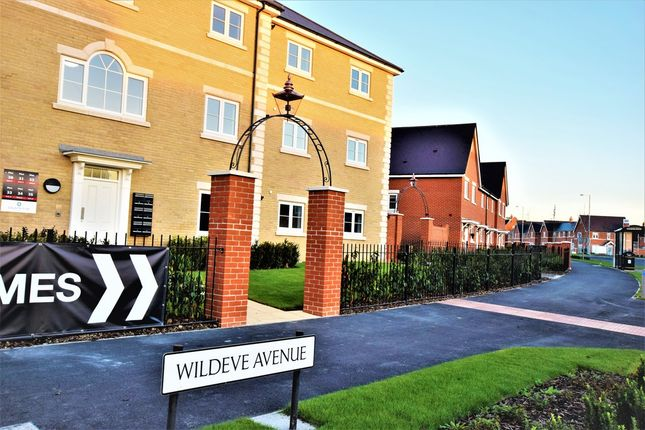 Thumbnail Flat to rent in Wildeve Avenue, Colchester