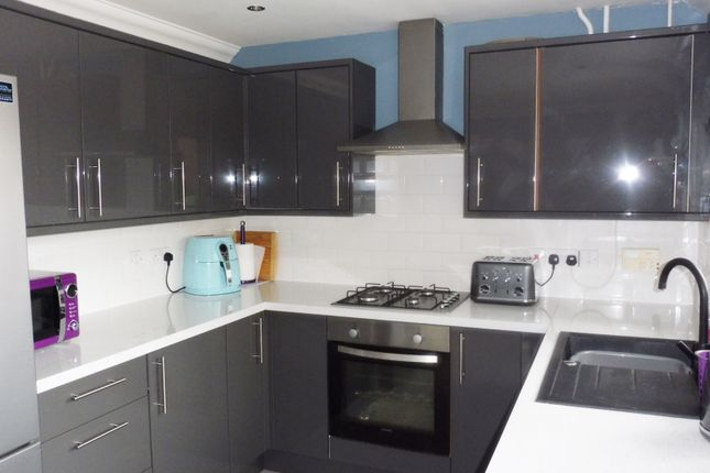 Kitchen of Manor Fields, Great Houghton S72