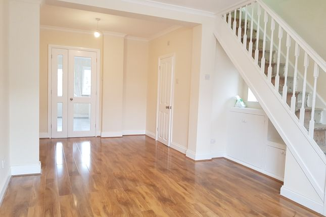 Thumbnail Terraced house to rent in Laburnam Road, Hayes