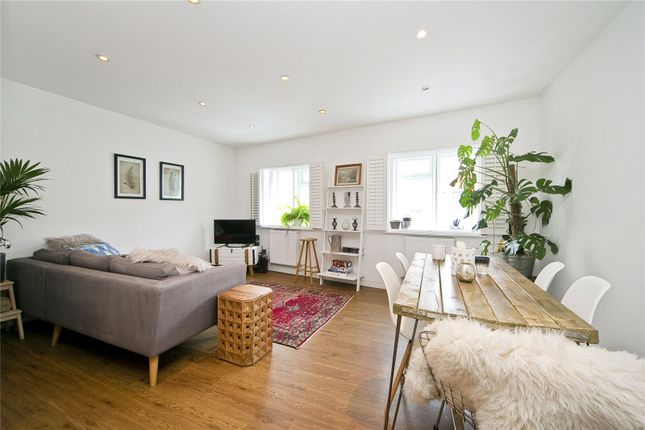 2 bed flat to rent in Essex Road, Islington, London N1
