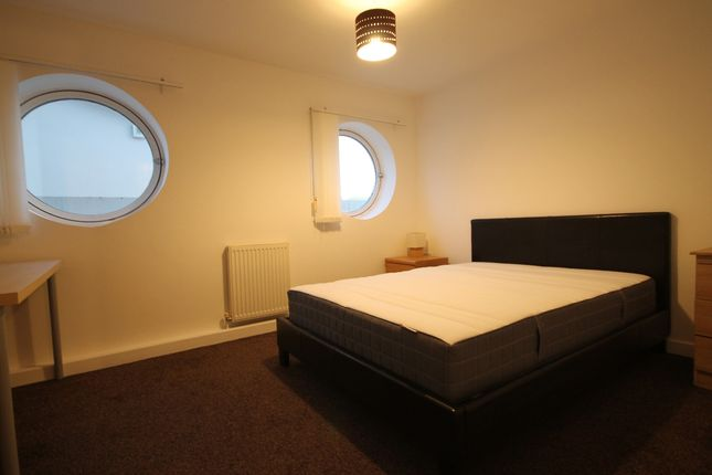 Bedroom Three of Royal Quay, Liverpool L3