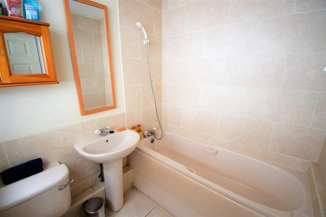 Bathroom of Thomas Street, Skelton-In-Cleveland, Saltburn-By-The-Sea TS12