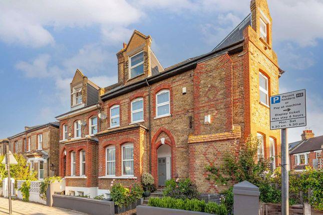 Thumbnail Flat for sale in Fernlea Road, London