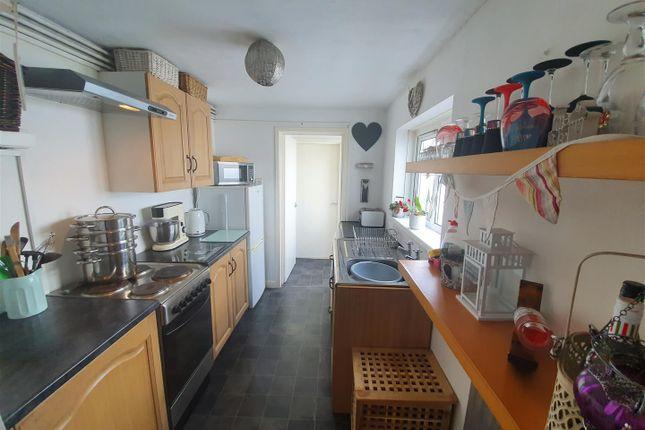 Kitchen of Loftus Street, Canton, Cardiff CF5