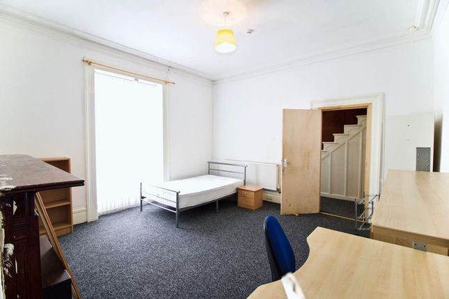 Frontroom of Trinity Street, Huddersfield HD1
