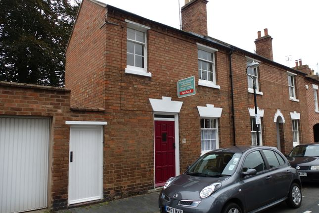 Thumbnail Town house to rent in Broad Street, Stratford Upon Avon