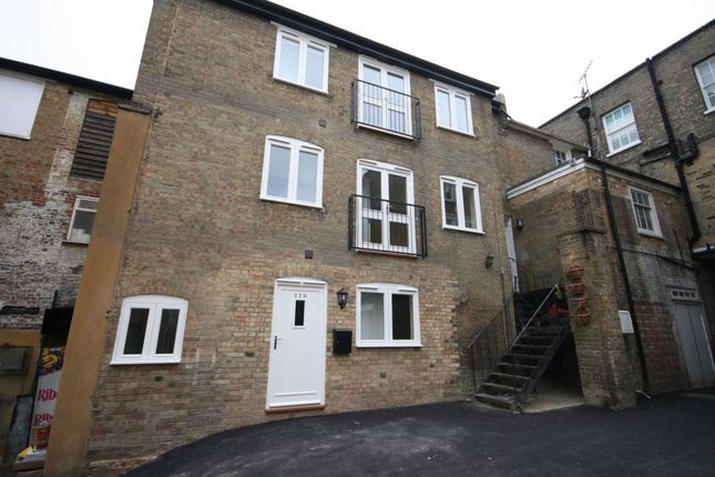 Thumbnail Property to rent in Bucklersbury, Hitchin