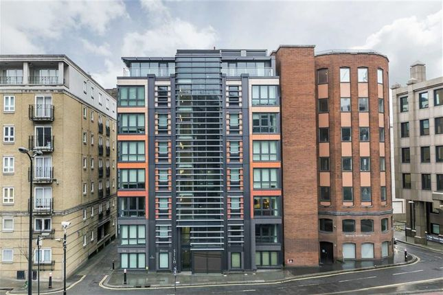 Thumbnail Flat to rent in High Timber Street, London