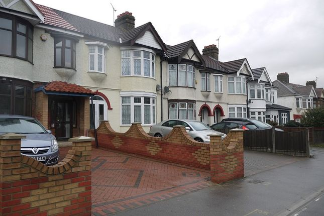 Thumbnail Terraced house to rent in Eastern Avenue, Ilford, Essex.
