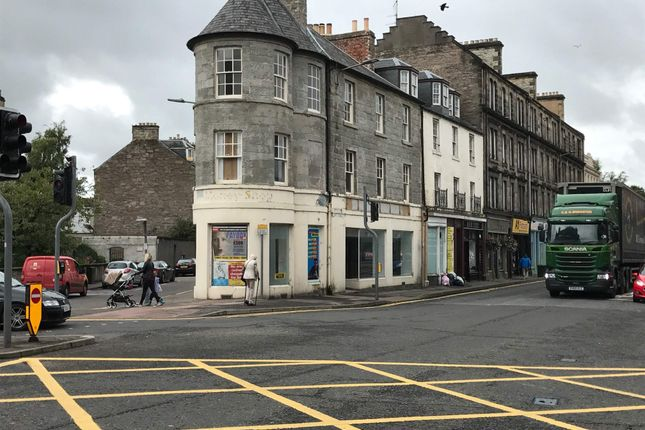 Thumbnail Retail premises to let in 2 4 County Place, Perth