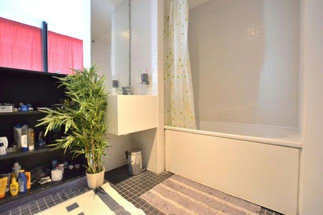 Bathroom of The Collegiate, Shaw Street, Liverpool L6