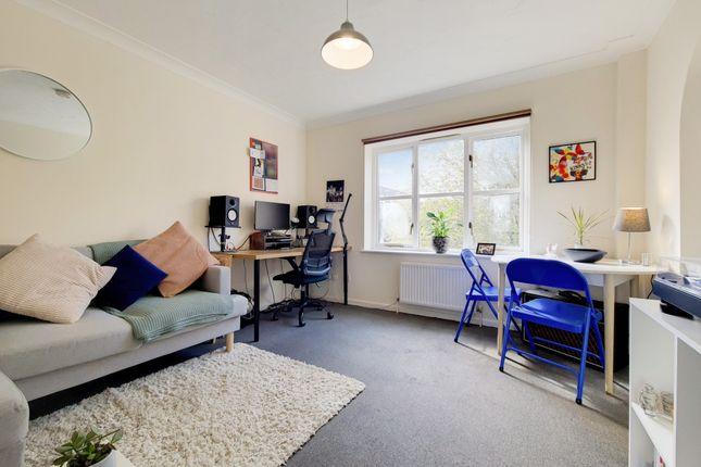 Studio to rent in Reynard Close, Brockley, London SE4