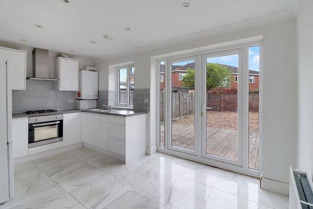 Thumbnail Terraced house for sale in School Road, Ashford