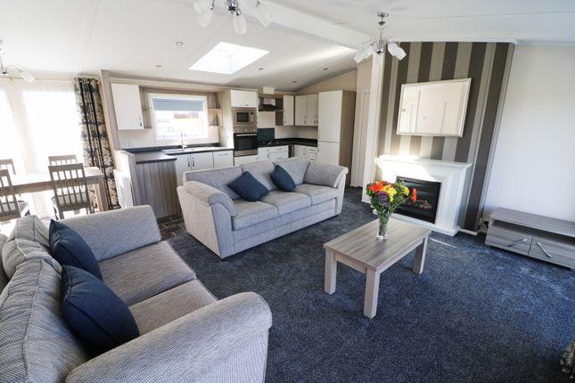 Luxury  Bedroom Property In St Merryn