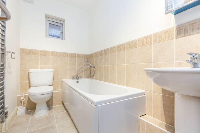Bathroom of Montague Close, Slough SL2